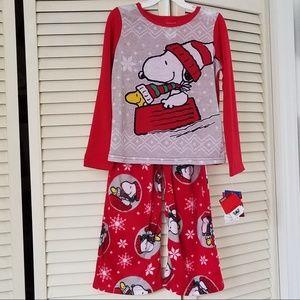 NWT Peanuts 2 Piece Pajamas Snowflake Snoopy